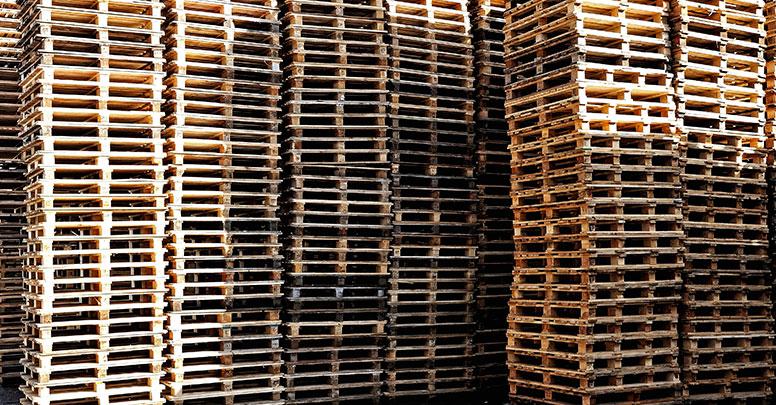 Pallet cippato pellet legna e arredamento eco wood for Vendita mobili con pallet